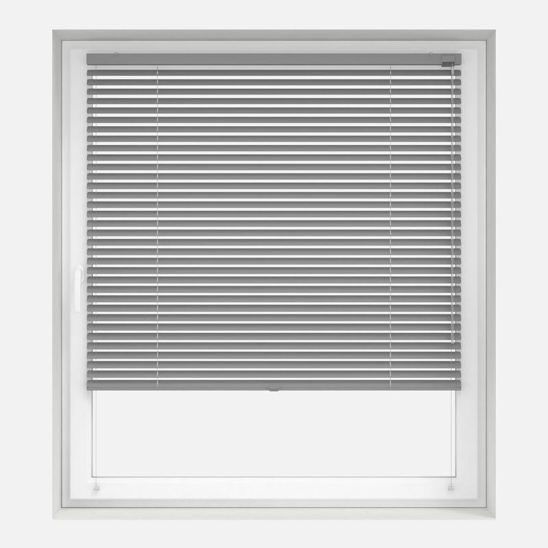 Aluminium-Jalousie nach Maß am Fenster