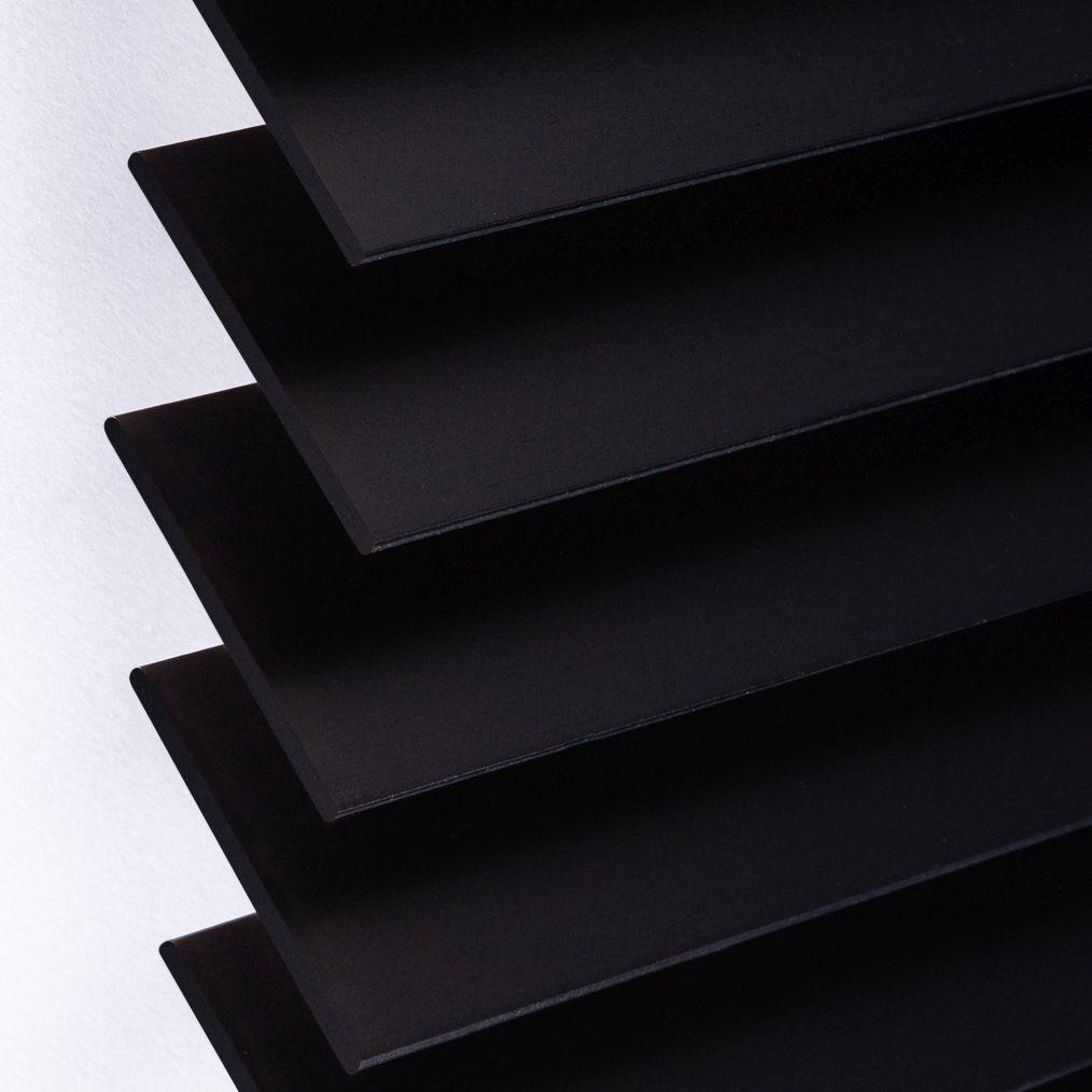 Holzjalousie nach Maß schwarz Detailaufnahme